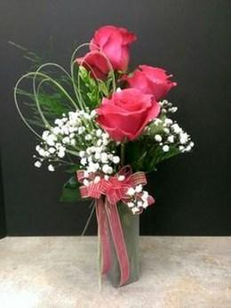 Stunning Valentine Floral Arrangements Ideas 40