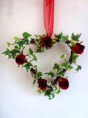 Stunning Valentine Floral Arrangements Ideas 44