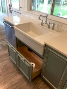 Affordable Farmhouse Kitchen Cabinets Ideas 10