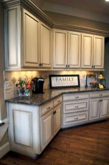 Affordable Farmhouse Kitchen Cabinets Ideas 21