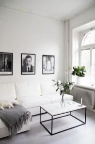 Cozy Black And White Living Room Design Ideas 18