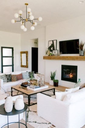 Cozy Black And White Living Room Design Ideas 21