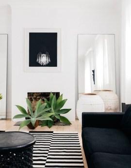 Cozy Black And White Living Room Design Ideas 27