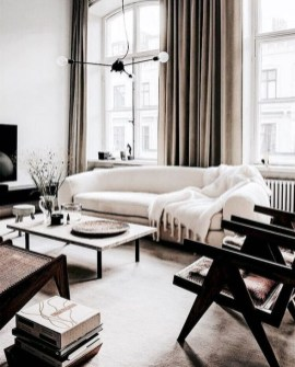 Cozy Black And White Living Room Design Ideas 36