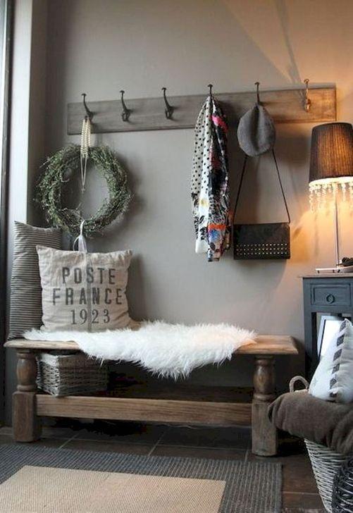 Easy DIY Mudroom Bench Ideas For Inspiration 19