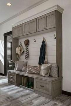 Easy DIY Mudroom Bench Ideas For Inspiration 25