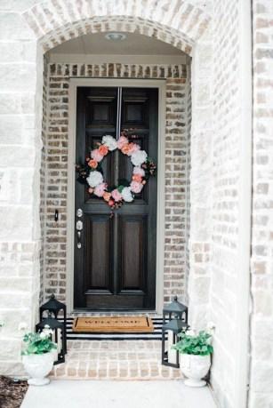 Impressive Porch Decoration Ideas For This Spring 07