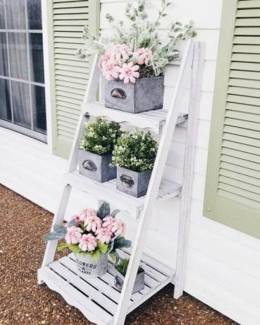 Impressive Porch Decoration Ideas For This Spring 08