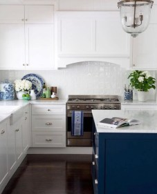 Inspiring Blue And White Kitchen Ideas To Love 10