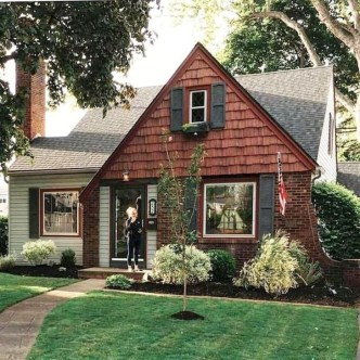 Marvelous Cottage House Exterior Design Ideas 25
