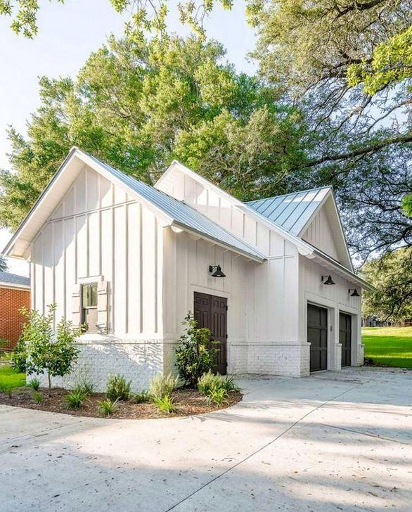 Marvelous Cottage House Exterior Design Ideas 32
