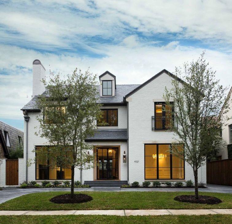 Marvelous Cottage House Exterior Design Ideas 35