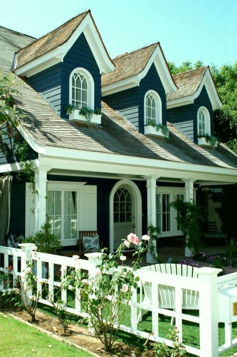 Marvelous Cottage House Exterior Design Ideas 49