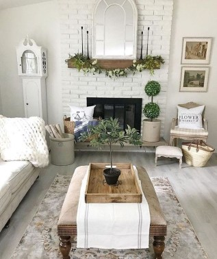 Rustic Farmhouse Fireplace Ideas For Your Living Room 06