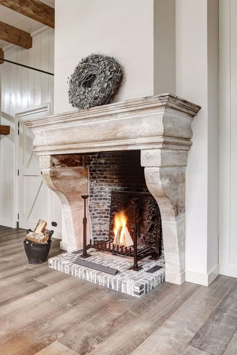 Rustic Farmhouse Fireplace Ideas For Your Living Room 34