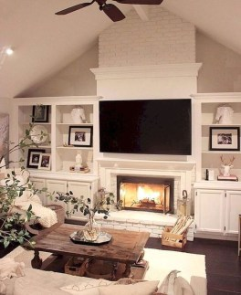 Rustic Farmhouse Fireplace Ideas For Your Living Room 40