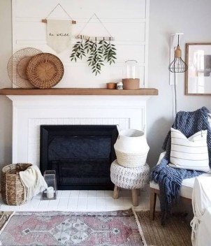 Rustic Farmhouse Fireplace Ideas For Your Living Room 49