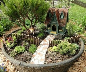 Brilliant DIY Fairy Garden Design Ideas 28