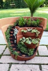 Brilliant DIY Fairy Garden Design Ideas 32