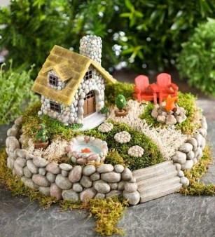 Brilliant DIY Fairy Garden Design Ideas 35