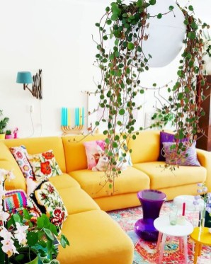 Comfy Colorful Sofa Ideas For Living Room Design 25