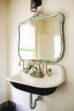 Cute Shabby Chic Bathroom Design Ideas 15