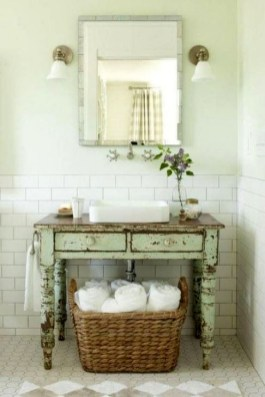 Cute Shabby Chic Bathroom Design Ideas 36
