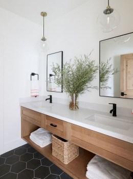 Fascinating Bathroom Vanity Lighting Design Ideas 24