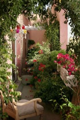 Impressive Balcony Garden Design Ideas 39
