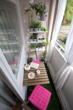 Impressive Balcony Garden Design Ideas 40