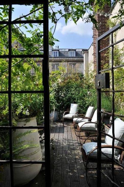 Impressive Balcony Garden Design Ideas 52