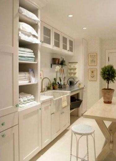 Innovative Laundry Room Design With French Country Style 18