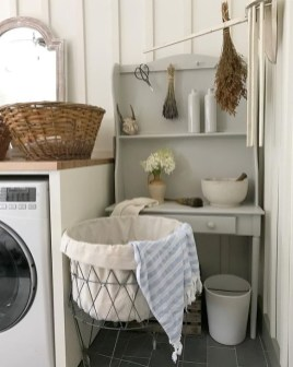 Innovative Laundry Room Design With French Country Style 33