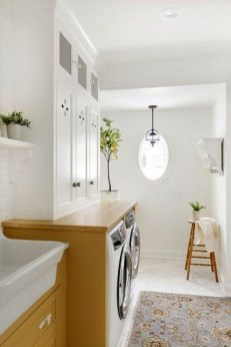 Innovative Laundry Room Design With French Country Style 43