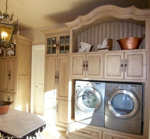 Innovative Laundry Room Design With French Country Style 45