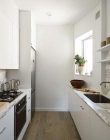 Minimalist Small White Kitchen Design Ideas 04