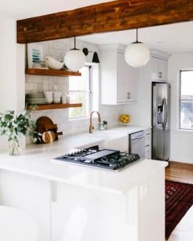Minimalist Small White Kitchen Design Ideas 08