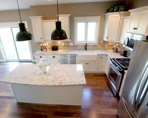 Minimalist Small White Kitchen Design Ideas 19