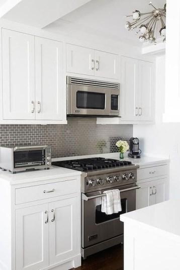 Minimalist Small White Kitchen Design Ideas 26