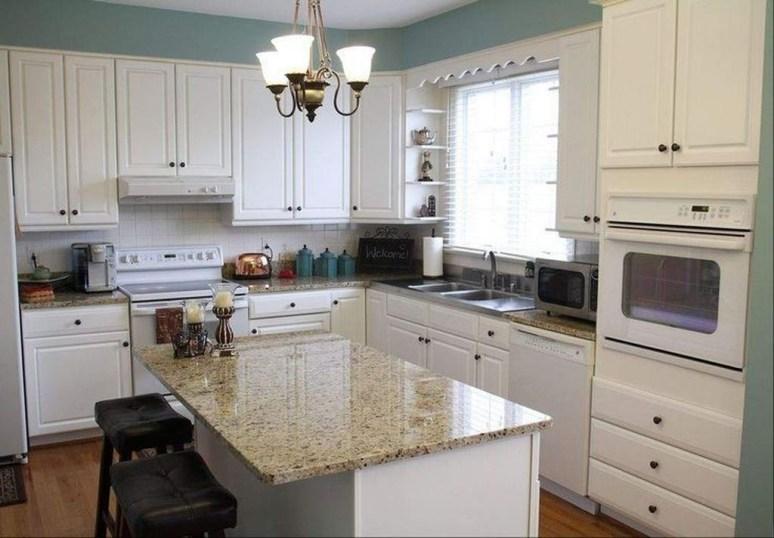 Minimalist Small White Kitchen Design Ideas 27