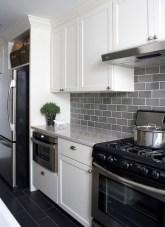Minimalist Small White Kitchen Design Ideas 30
