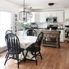 Minimalist Small White Kitchen Design Ideas 41