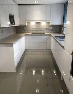 Minimalist Small White Kitchen Design Ideas 44