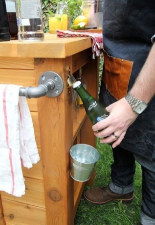 Cheap And Easy DIY Outdoor Bars Ideas 39