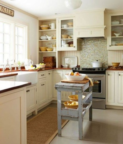 Classy Wooden Kitchen Island Ideas For Your Kitchen 20