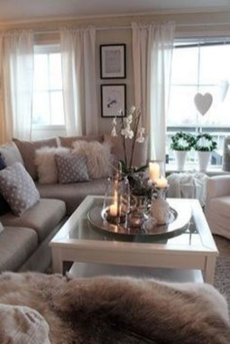 Easy And Simple Neutral Living Room Design Ideas 25