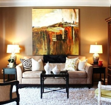 Elegant Room Decoration Ideas With Over Sized Art 19