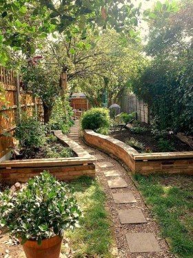 Inspiring Backyard Landscaping Ideas For Your Home 38