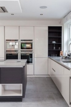 Magnificient Open Plan Kitchen With Feature Island Ideas 08