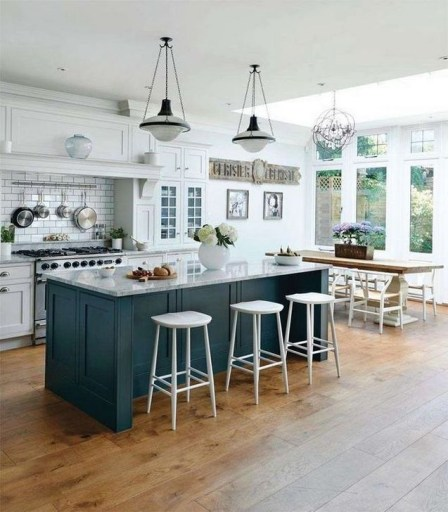 Magnificient Open Plan Kitchen With Feature Island Ideas 20